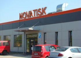 Skladová hala s vestavěnou administrativní budovou NOVATISK a.s.