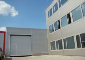 skladové montované haly s administrativní budovou D.TRI spol. s r.o. v Kuřimi I