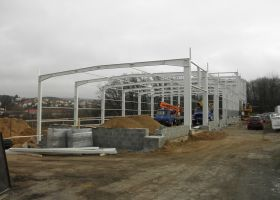 stavba výrobní haly ve Světlé nad Sázavou