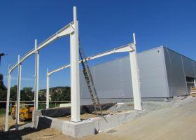 ocelová montovaná hala - přístavba ve Světlé nad Sázavou