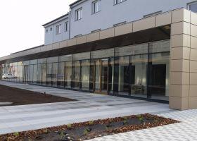 betonová hala - obchodní centrum, Brno