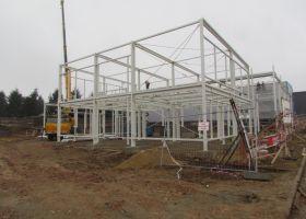kontrukce montované administrativní budovy s výrobní halou
