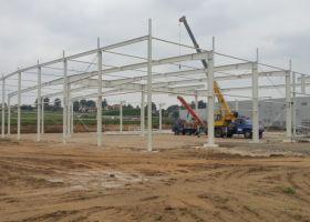 konstrukce montované skladové haly u Humpolce