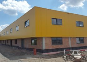 opláštění 2. NP betonové administrativní budovy